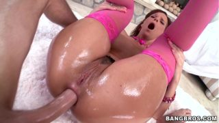 Big Ass MILF Takes it Anal